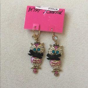 NWT Betsy Johnson owl 🦉 earrings